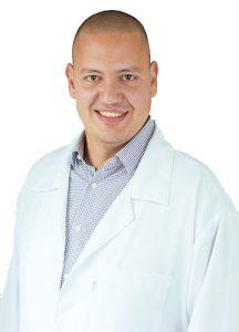 Dr.Gustavo-Amadera