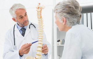 médico-especialista-em-coluna